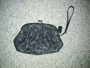 Coach Wristlet Kisslock LARGE Clutch Wallet Sparkly for Sale in Schaumburg, IL