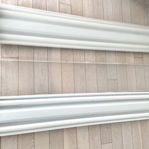 Fluorescent 4 Foot Ceiling Lights With Bulbs - Price For Each - Working Conditions for Sale in Miami, FL