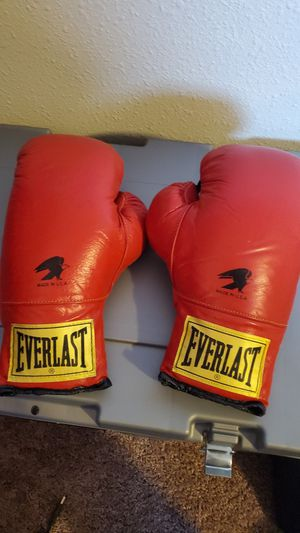 Everlast Boxing Gloves 12oz Made in USA for Sale in Seattle, WA