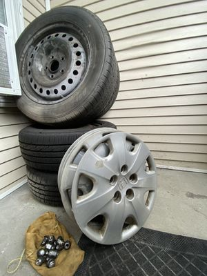 """Set of 16"""" Wheels w/ Hubcaps & Lugnuts (205/60R16 92H) for Sale in Yelm, WA"""