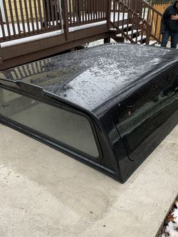 8 Ft Truck Bed Cap for Sale in Pittsburgh,  PA