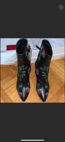 Valentino boots size 6 for Sale in Brooklyn, NY