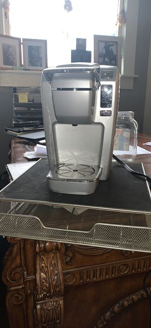 Keurig coffee maker and cup holder drawer stand for Sale in Fort Worth, TX