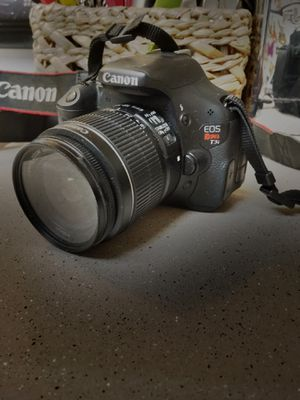 Canon T3i for Sale in Portland, OR
