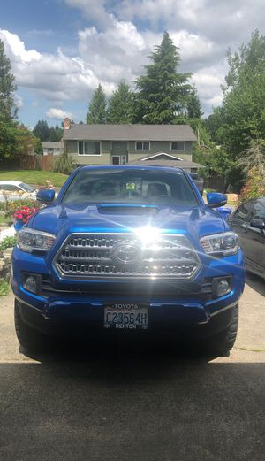 2016 toyota tacoma trd sport Extended bed for Sale in Kent, WA