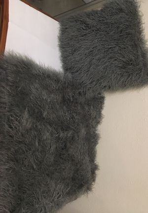 Project 62 Faux Fur Throw Pillow and Blanket for Sale in Austin, TX