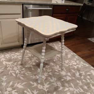 Accent Table for Sale in Independence, OH