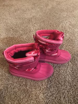 Target Girls Size 9/10 Pink Snow Boots for Sale in New Berlin, WI