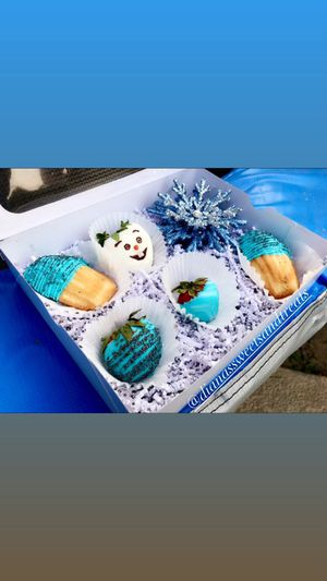 Kids gift set 🍫🍓 for Sale in Fresno, CA
