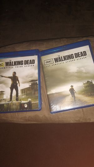 The walking dead complete 2&3rd seasons for Sale in Brooklyn Center, MN
