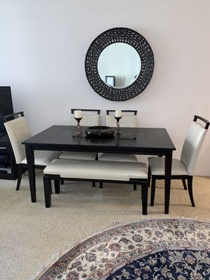 6 piece dining table for Sale in Irvine, CA