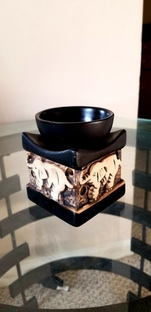 Feng Shui Zen Ceramic Essential Oil Burner with 3 essential oils and tea light candles for Sale in Dublin, OH