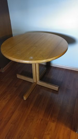 Small card table/ breakfast table for Sale in Huber Heights, OH