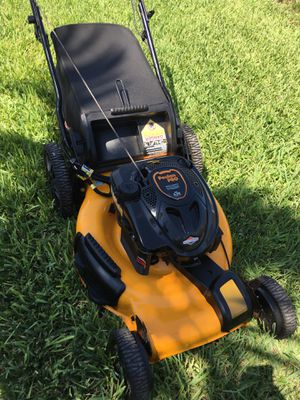Poulan Pro Self Propelled Lawnmower / Lawn Mower for Sale in Fort Lauderdale, FL