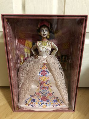 [IN HAND] Barbie Pink Dia De Los Muertos Doll (Day of The Dead) 2020 for Sale in Union City, CA