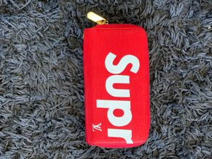supreme wallet for Sale in Los Angeles, CA