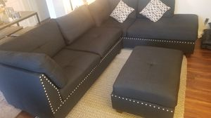 LIKE NEW BLACK SECTIONAL COUCH SOFA SET W/ OTTOMAN & PILLOWS. NO SMOKING & NO PETS. EXTREMELY CLEAN AND VERY COMFORTABLE (3 PIECES) for Sale in San Jose, CA