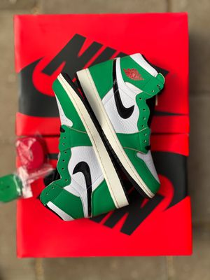 Jordan 1 Lucky Green ( size 10w ) for Sale in Santa Ana, CA