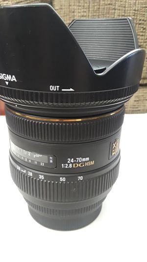 Sigma 24-70mm 2.8 DG hsm EX for Sale in Santa Fe Springs, CA
