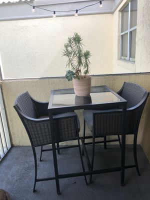 Patio/balcony/backyard table and chairs set for Sale in Miami, FL