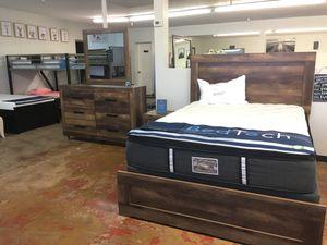 4 pc Queen Bedroom Set - No Mattress for Sale in Phoenix, AZ