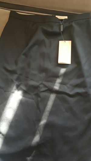 New Burberry Women's Pencil Skirt Black for Sale in Silver Spring, MD