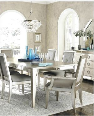Expendable Dining table set from Macy's with 6 chairs. The table has also a glass top for protection for Sale in Santa Monica, CA