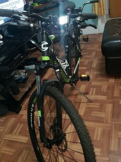 Bike Like New Cannondale for Sale in Queens,  NY