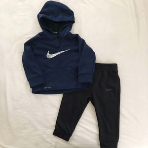 Toddler Nike Sweat Suit for Sale in Huntington Park, CA