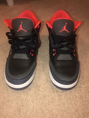 Jordan 3 crimson for Sale in Germantown, MD