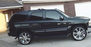 Leather seats Price 800$ O3 Chevy Tahoe for Sale in Boston, MA