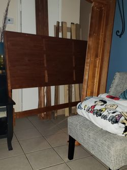 Queen Bed ..........free....gratis for Sale in Columbus,  OH