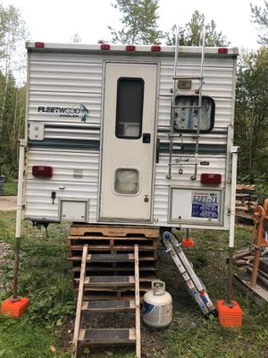 Fleet wood 10' camper for Sale in Eatonville, WA