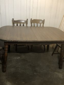 Table for Sale in St. Louis,  MO