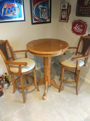 Oak pub/ Game table and 2 quality stools for Sale in Ellsworth, MI