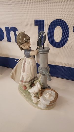 Lladro figurine girl pumping water for Sale in Tomball, TX