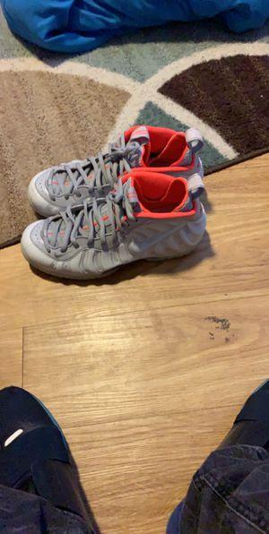 Nike foamposite Size 9.5 for Sale in Dallas, TX