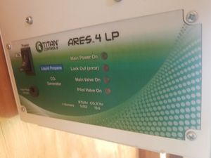 Titan ares4 l.p. co2 generator and co2 controller for Sale in Apple Valley, CA