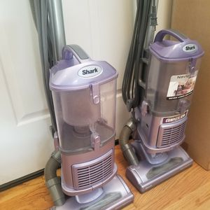 NEW cond Shark Navigator LIFT-AWAY MODEL Vacuum With ATTACHMENTS,AMAZING SUCTION, WORKS EXCELLENT 2 For 145 for Sale in Auburn, WA