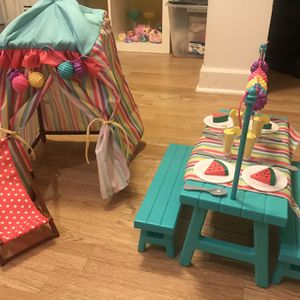"""18"""" Doll Cabana And Picnic Table for Sale in Chicago, IL"""