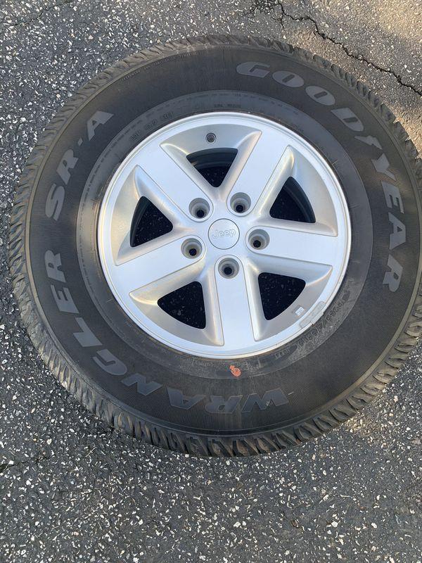 goodyear wrangler sr-a 245/75r16 Stock Jeep Wrangler tire and wheel
