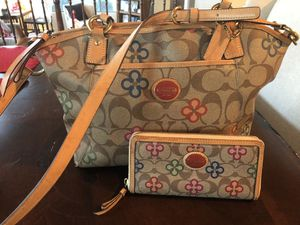 Coach large purse and wallet . for Sale in Glendale, AZ