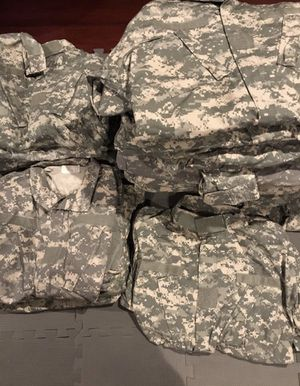 Military lot clothing and patches. (Read Description) for Sale in Webster, TX