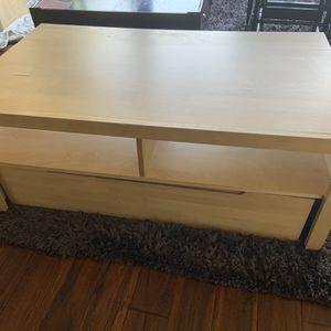 Coffee Table Media Stand for Sale in Spring Valley, CA