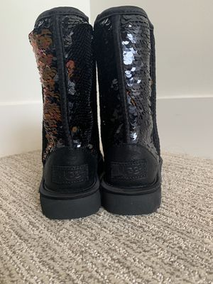 UGG Australia Classic Short Sequin Boots Size 6 for Sale in Kansas City, MO