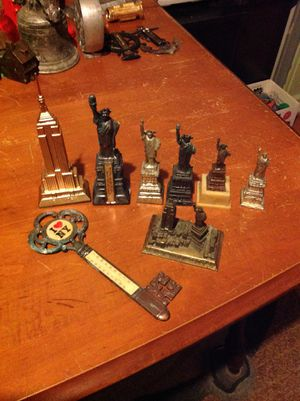 Vintage Collectible Figures from New York. Metal items. Lot of 8. for Sale in Philadelphia, PA