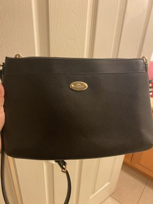 Coach leather crossbody for Sale in Paramount, CA