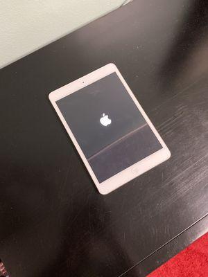 Apple iPad mini WiFi-16GB Silver for Sale in Los Angeles, CA