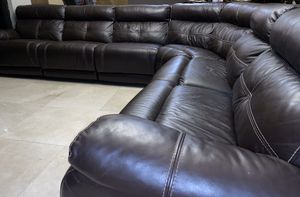 Beautiful, Comfortable Leather Sectional Sofa for Sale in Miami, FL