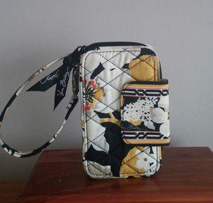 Retired Vera Bradley Dogwood Wristlet Wallet/Unused for Sale in Gaithersburg, MD